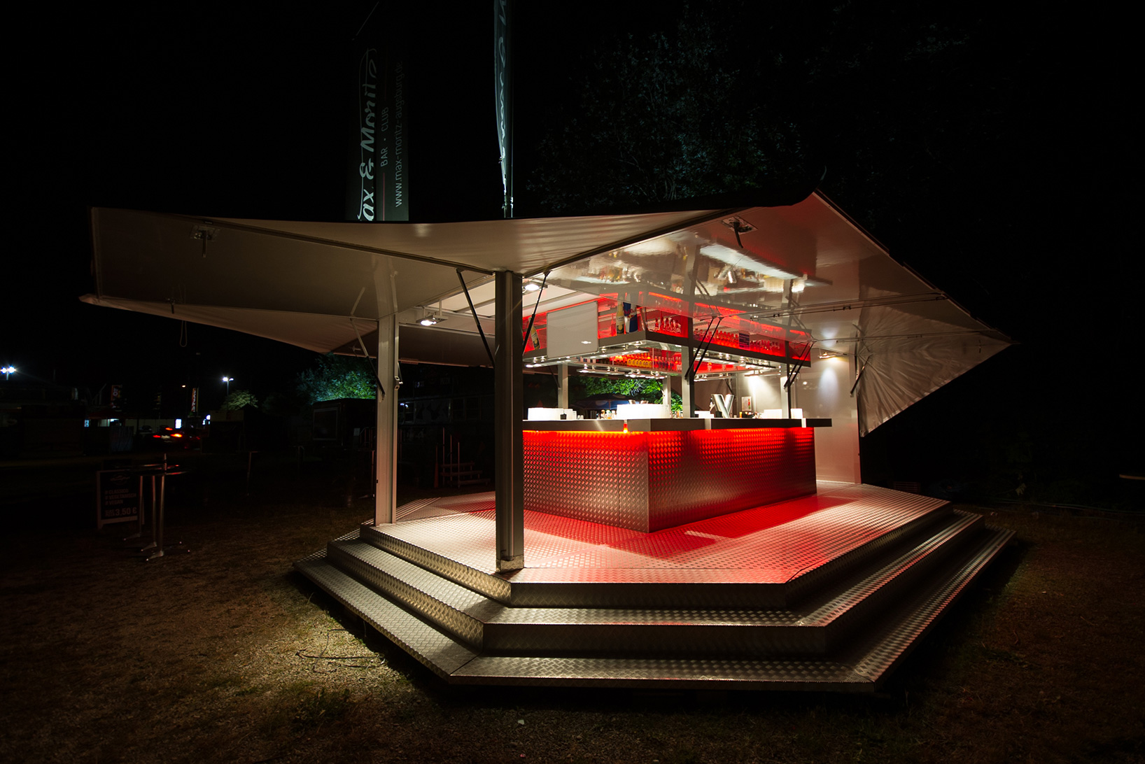 mobile-cocktail-bar-side-front